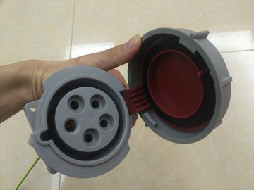 China 240 3P+N+E 32A 380-415V IP67 Watertight Industrial Socket Outlets 3 Phase Industrial Socket supplier